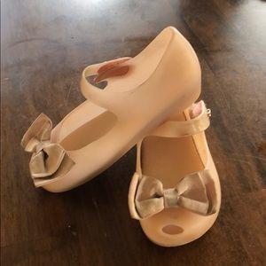 Mini Melissa. Bow shoes size 9